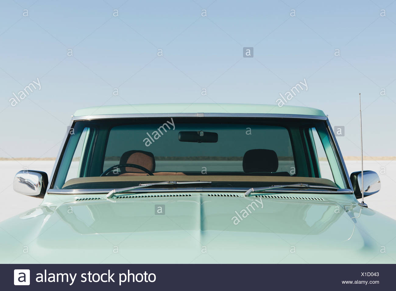 F100 Stock Photos Images Alamy 1955 Ford Truck Moon Caps Detail Of A Vintage Pickup The Windshield And Hood Bonneville Salt