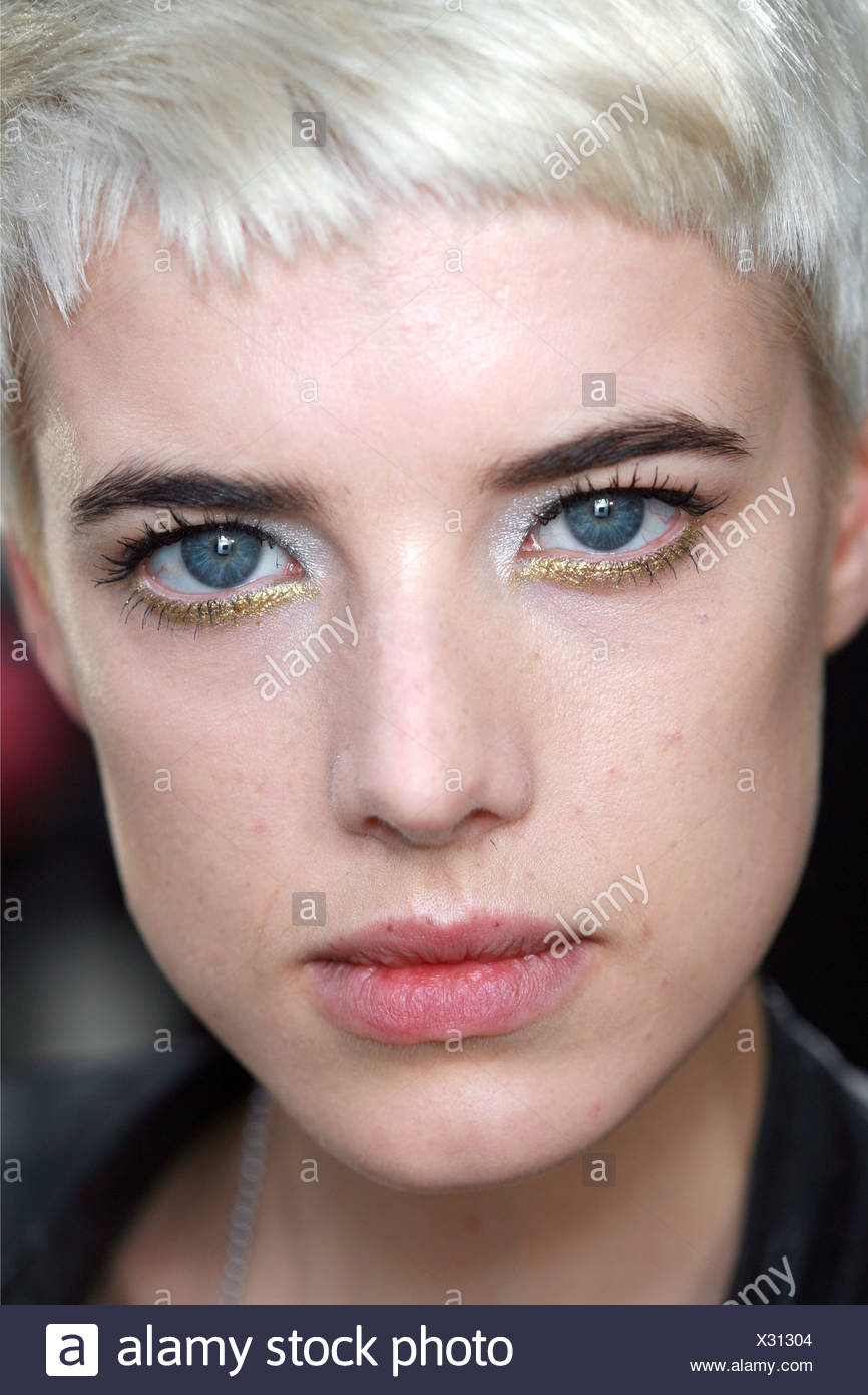 Chanel Backstage Paris Ready To Wear Spring Summer Close Up Face Of