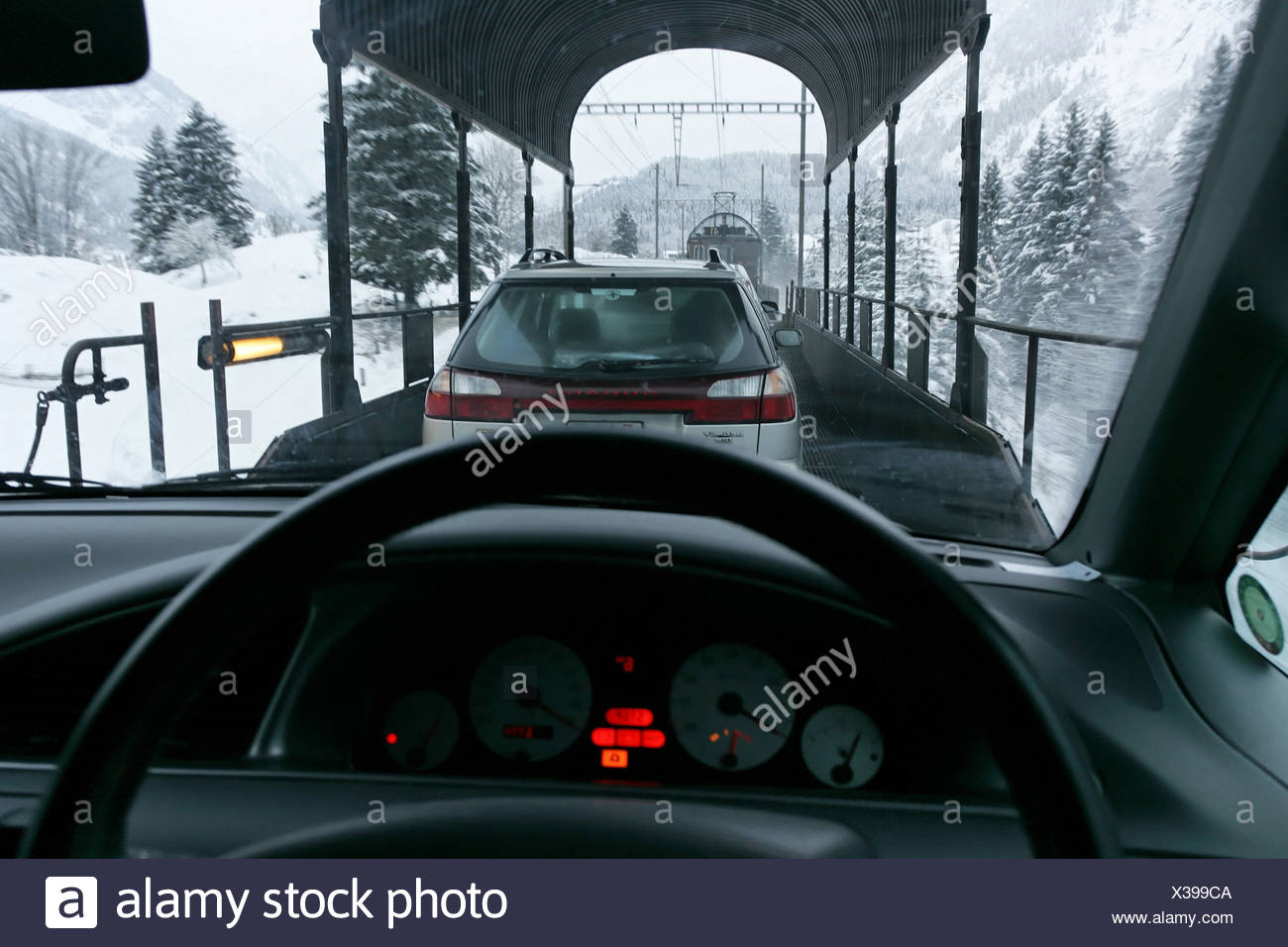 Lotschberg stock photos lotschberg stock images alamy for Car carriage