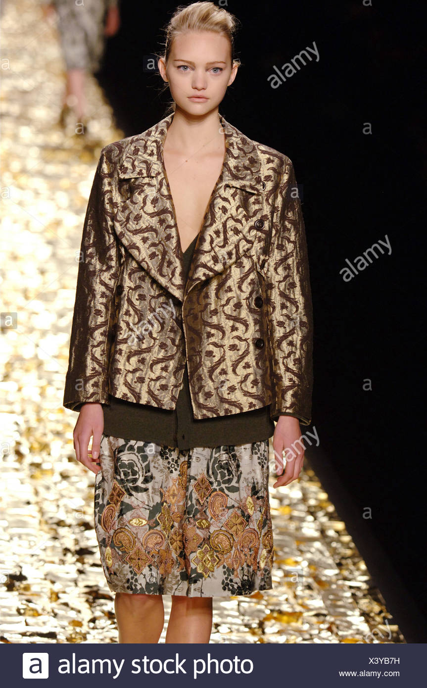 Dries Van Noten Ready To Wear Paris A W Blonde Female Model Gemma
