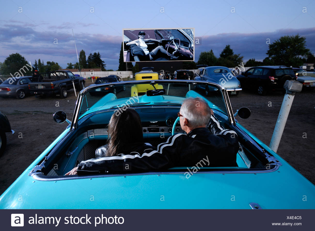 Couple cinema stock photos couple cinema stock images for Motor vu drive in dallas oregon