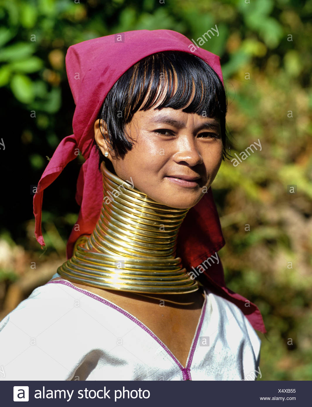 Www.necked women.com