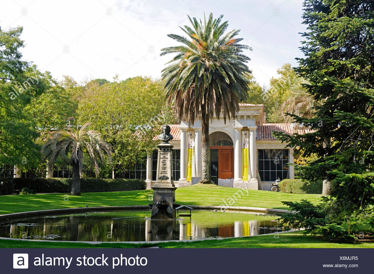 Villanueva stock photos villanueva stock images alamy for Precio entrada jardin botanico madrid