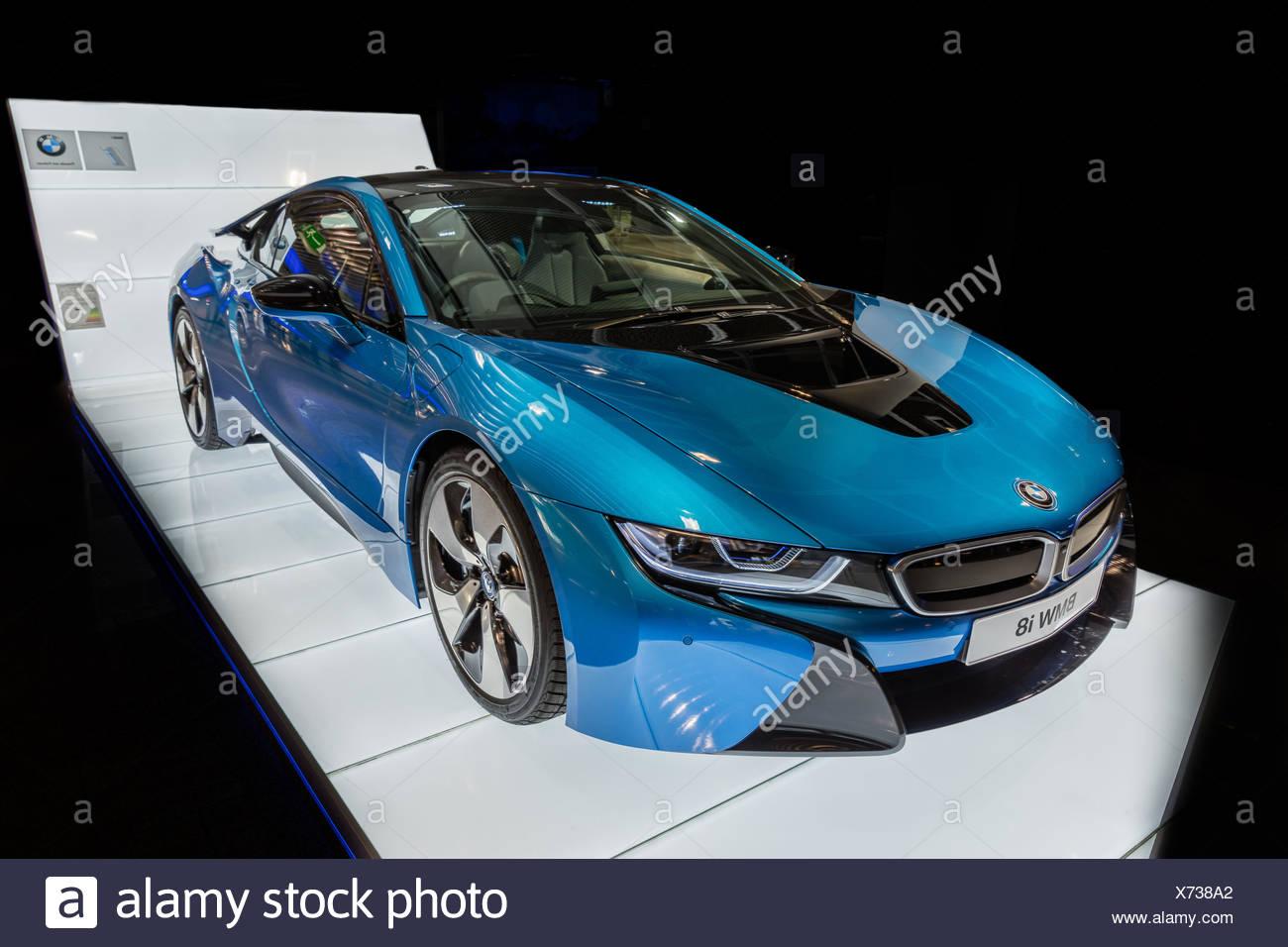 Bmw i8 plug stock photos bmw i8 plug stock images alamy for Hybrid car electric motor
