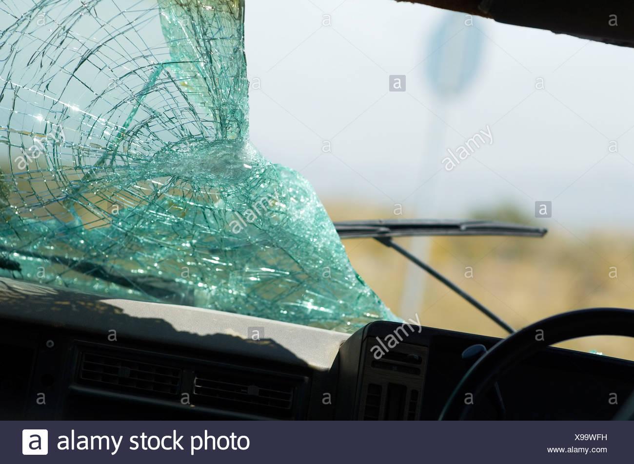 windscreen broken stock photos windscreen broken stock images alamy. Black Bedroom Furniture Sets. Home Design Ideas