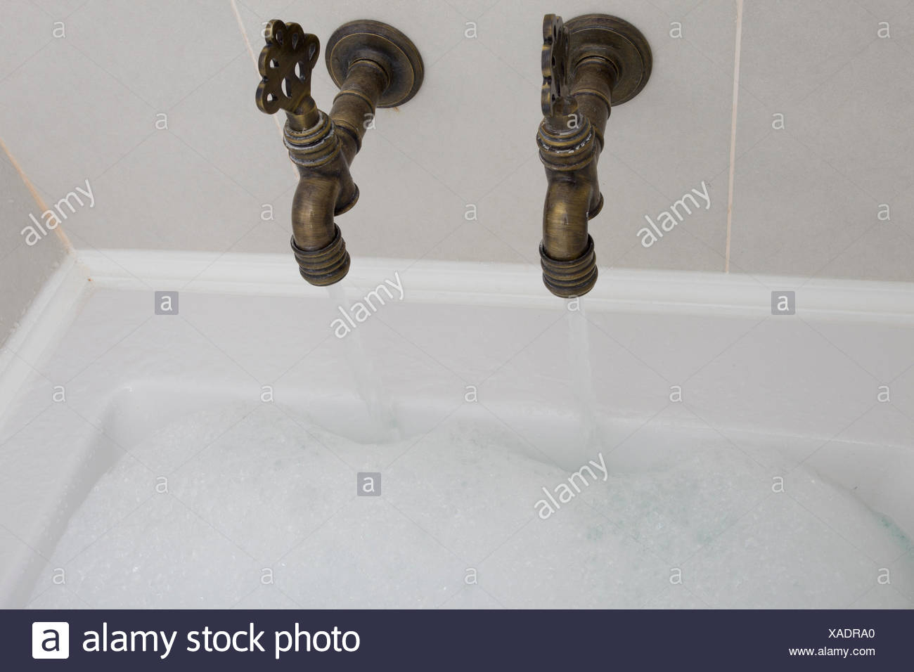 Magnificent Old Fashioned Bathroom Taps Photos - Bathtub for ...