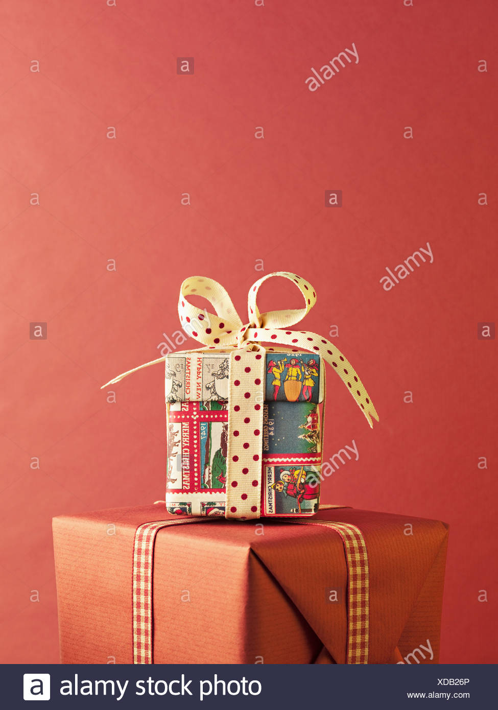 Stack of Christmas gifts Stock Photo: 283599646 - Alamy