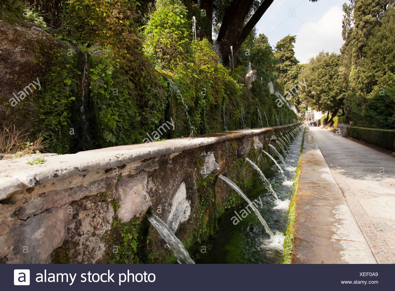 Le Cento Fontane, The Hundred Fountains, at Villa d\'Este gardens ...