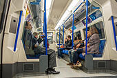 london-underground-passengers-on-tube-tr