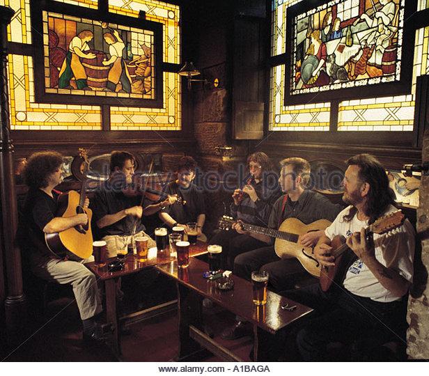 Scottish Pub Bar: Scottish Pub Music Stock Photos & Scottish Pub Music Stock