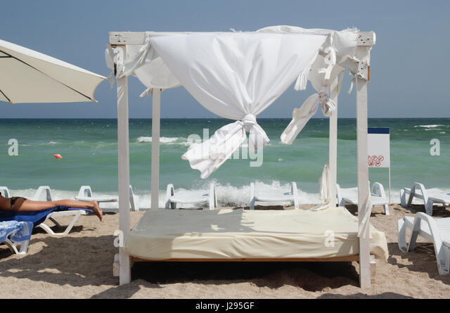 Gazebo on the beach - canopy - Stock Image & Canopy Bed On Tranquil Beach Stock Photos u0026 Canopy Bed On Tranquil ...