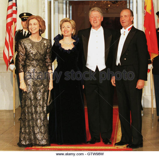 ¿Cuánto mide el Rey Juan Carlos I? - Altura - Real height Spanish-royalty-visits-the-white-house-february-23-for-a-state-dinner-gtw98w