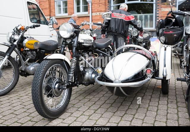 vintage triumph motorcycle stock photos & vintage triumph