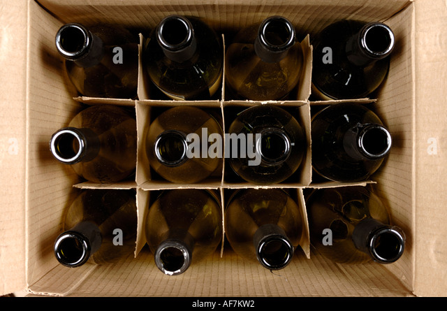 Crate empty stock photos crate empty stock images alamy for Empty wine crates