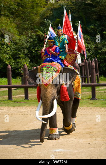 how to go to samphran elephant ground and zoo