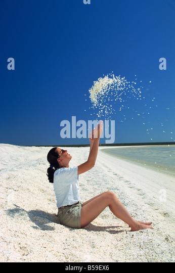 shell-beach-shark-bay-western-australia-