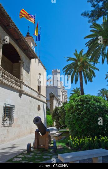 castell spanish girl personals Per a ser admesos i prendre part en les proves selectives, a més de les seues circumstàncies personals,  (c/ castell, 24).