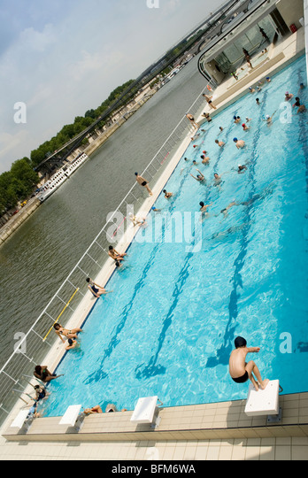 Piscine josephine baker stock photos piscine josephine for Josephine baker pool paris france