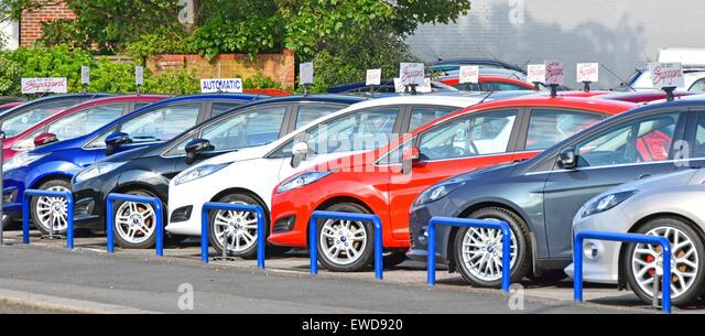 Ford car dealer forecourt display of secondhand cars for sale England UK - Stock Image & Second Hand Cars Stock Photos u0026 Second Hand Cars Stock Images - Alamy markmcfarlin.com