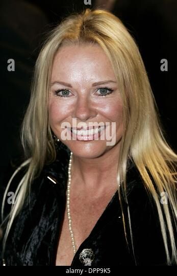 Pamela Stephenson Nude Photos 34