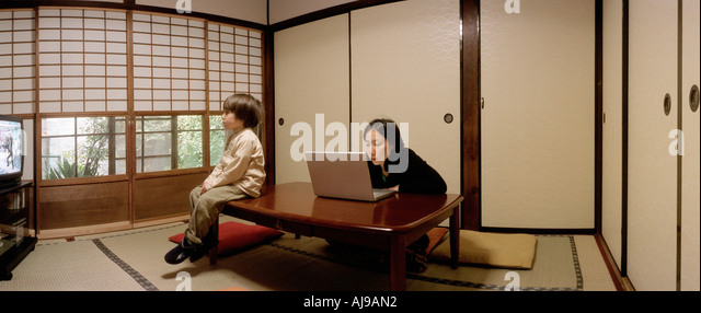 Traditional Japanese Living Room sitting in tatami room stock photos & sitting in tatami room stock