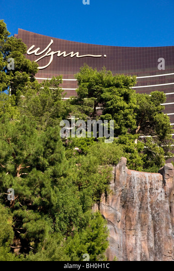 wynn resort 2 essay Wynn resorts, limited porter five forces & resorts & casinos industry analysis at just $11 per pageporter five forces analysis is a strategic management tool to analyze industry.
