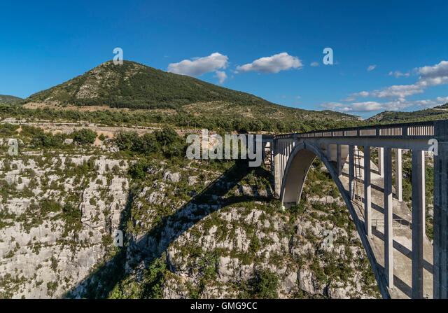 Top Verdon Bridge Stock Photos & Verdon Bridge Stock Images - Alamy ME16