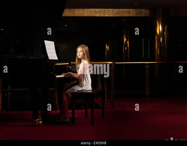 Girl Playing Piano Stage Stock Photos & Girl Playing Piano ...