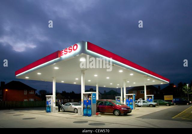 Esso garage forecourt at dusk with cars - Stock Image & Forecourt Petrol Station Garage Night Stock Photos u0026 Forecourt ...