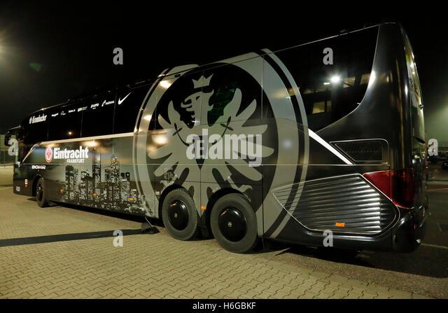 mannschaftsbus eintracht frankfurt