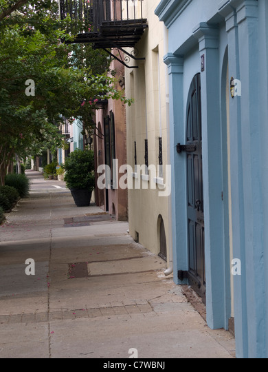 Rainbow row charleston south carolina stock photos for Charleston row houses