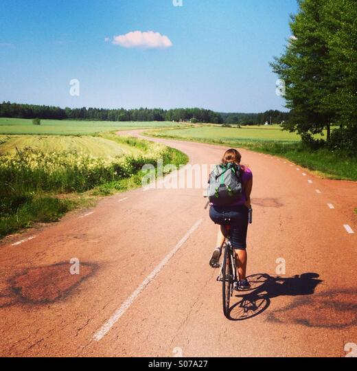 a-woman-on-a-cycling-holiday-on-a-snakin