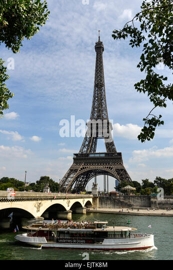 bateau mouche bridge on seine river stock photos bateau mouche bridge on seine river stock. Black Bedroom Furniture Sets. Home Design Ideas