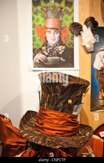 mad hatter hat stock photos mad hatter hat stock images alamy. Black Bedroom Furniture Sets. Home Design Ideas