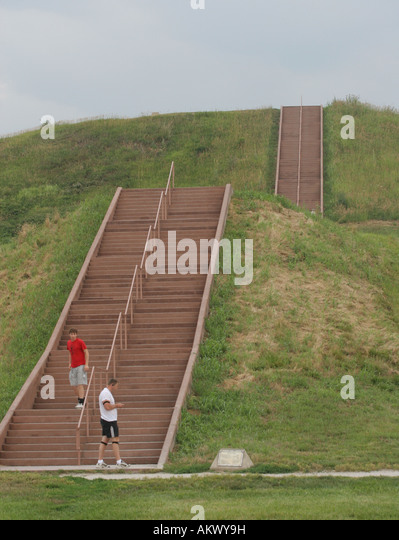 Cahokia mounds state historic site essay