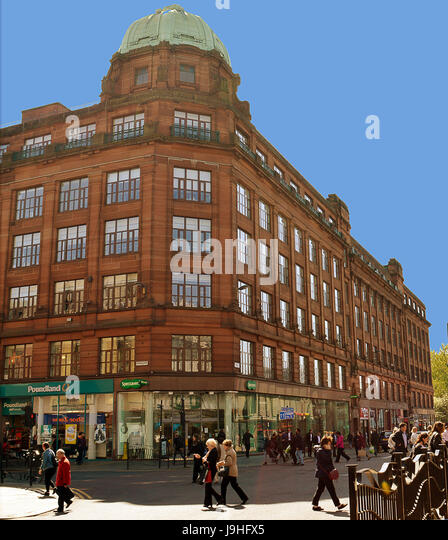 GLASGOW, SCOTLAND - 3 MAY 2017: A steel-fronted warehouse with flat roof and metal-framed windows from the 1920s - Stock Image