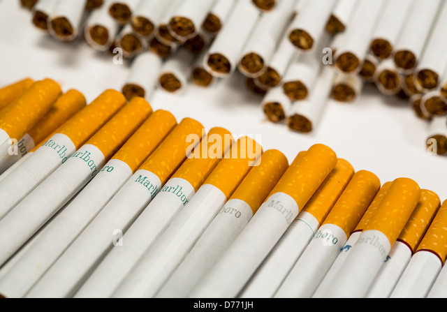 Marlboro cigarette to buy in Toronto
