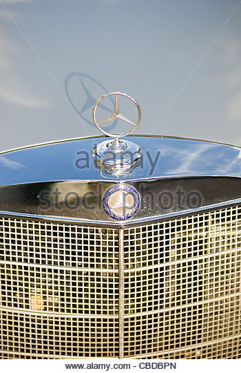 Mercedes benz car symbol hood stock photos mercedes benz for Mercedes benz stock symbol