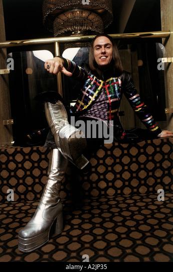 http://l7.alamy.com/zooms/0373722cb5134539b6dcc99608b20360/slade-uk-pop-band-band-member-in-1974-a2jp35.jpg