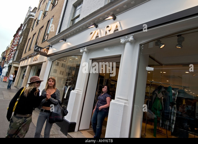 zara store stock photos zara store stock images alamy. Black Bedroom Furniture Sets. Home Design Ideas