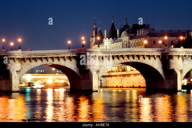 ile de la cite night pont neuf paris stock photos ile de. Black Bedroom Furniture Sets. Home Design Ideas