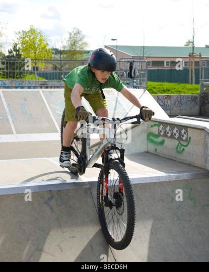 how to build a mountain bike ramp