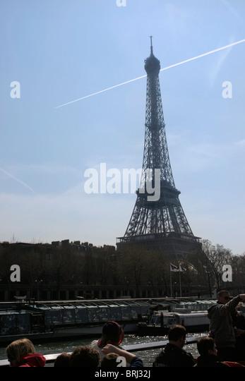 Luxury Airplane Over Eiffel Tower : Jetplane stock photos images alamy