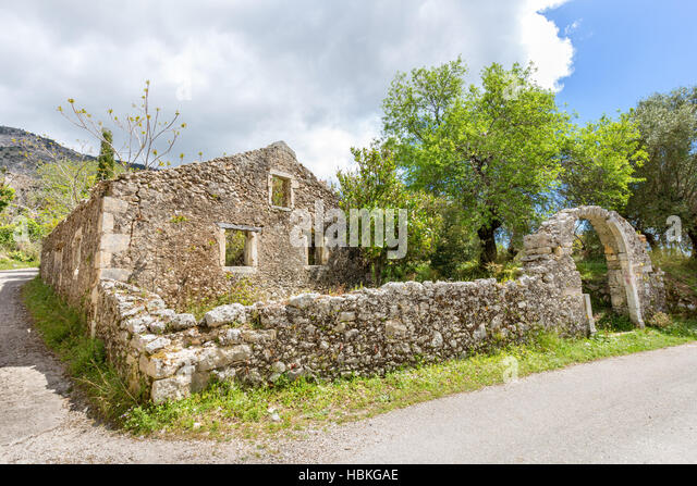 http://l7.alamy.com/zooms/040cfd30746b4ba999316b742197c1a7/old-historic-house-as-ruins-along-road-hbkgae.jpg