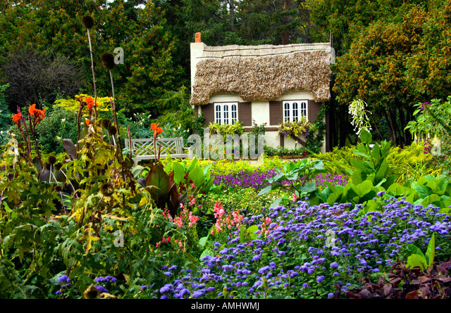 Grandma 39 s cottage in the english flower gardens of for Cottage packages manitoba