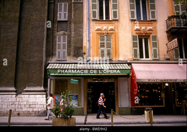 Vieille stock photos vieille stock images page 25 alamy - Pharmacie de l europe salon de provence ...