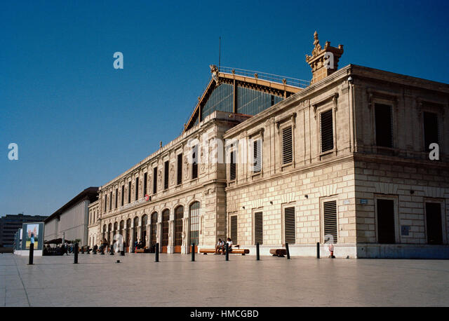 Port saint charles stock photos port saint charles stock images alamy - Distance gare saint charles port marseille ...