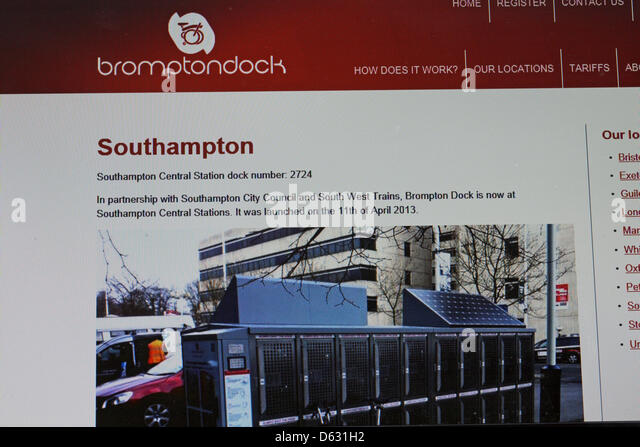 Laptop train uk stock photos laptop train uk stock - Stansted express ticket office liverpool street ...