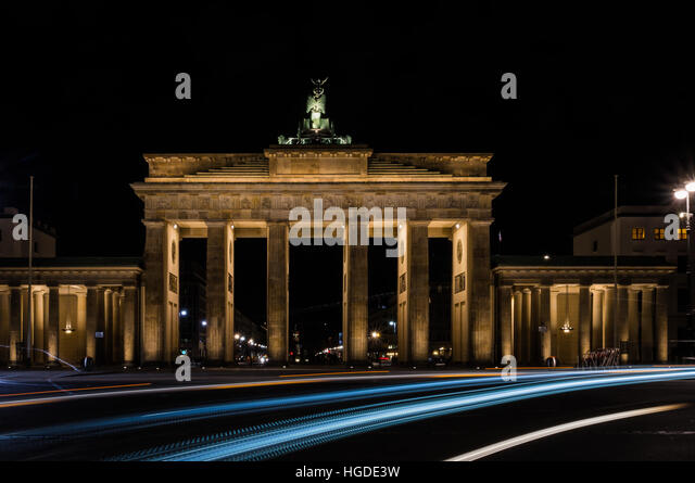 brandenburg gate at night - photo #41