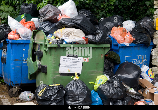 Refuse collection uk stock photos refuse collection uk stock images alamy - Rd rubbish bin ...